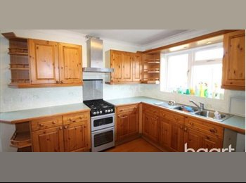 EasyRoommate UK - Beautiful rooms at great prices in Slough - Slough, Slough - £475 pcm