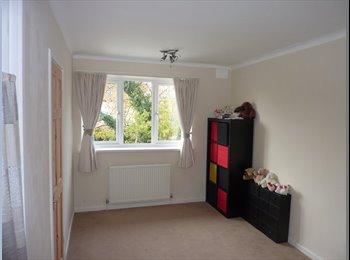 EasyRoommate UK - Room In Cleethorpes near St Peters Avenue. - Cleethorpes, Cleethorpes - £300 pcm