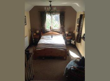 En-suite Double Bedroom in Grade II Cottage