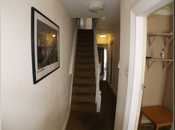 EasyRoommate UK - Lovely single room close to town - Canterbury, Canterbury - £340 pcm