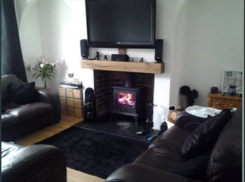 EasyRoommate UK - CLEAN, HOMELY AND PEACEFUL LOCATION - Balby, Doncaster - £325 pcm