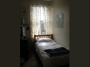 EasyRoommate UK - Creative Household - Darlington, Darlington - £300 pcm