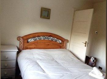 EasyRoommate UK - Double Room in nice location Kings Heath - King's Heath, Birmingham - £450 pcm