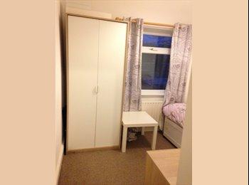EasyRoommate UK - Friendly House Mate Needed :) - Stockport, Stockport - £323 pcm
