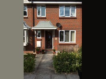 EasyRoommate UK - 2 rooms, inc Double Bedroom - New Milton, New Forest - £400 pcm