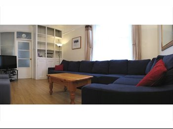 EasyRoommate UK - Spacious Double - MIxed Sex Sociable Y/ Prof House - Cathays, Cardiff - £290 pcm