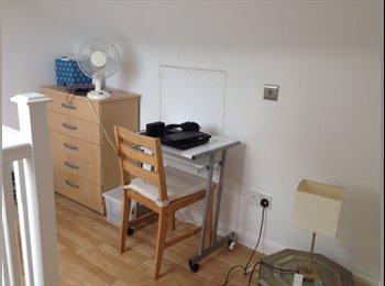 EasyRoommate UK - Loft bedroom available - Burnt Oak, London - £440 pcm