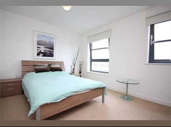 EasyRoommate UK - Flat C, 594 Commercial Road TO LET - Tower Hamlets, London - £1,000 pcm