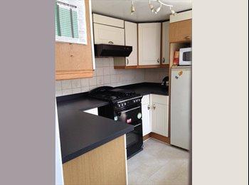 EasyRoommate UK - NICE ROOMS IN CLEAN HOUSE: CROYDON - Croydon, London - £550 pcm