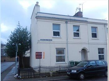 EasyRoommate UK - MARLE HILL PARADE - CHELTENHAM, ROOMS AVAILABLE - Cheltenham, Cheltenham - £395 pcm