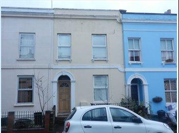 EasyRoommate UK - ST PAULS PARADE - CHELTENHAM, ROOMS AVAILABLE - Cheltenham, Cheltenham - £395 pcm