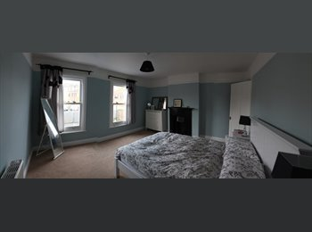 EasyRoommate UK - Large Room in 2 bed, cottage style terraced house - Edgware, London - £750 pcm