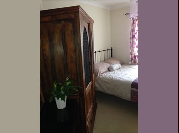 EasyRoommate UK - Two Bedroom s Available a leisurely - Isleworth, London - £650 pcm