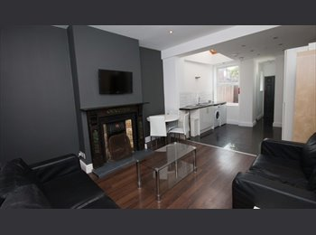 2 Rooms in 6 bed student house - Earlsdon -Sept 15