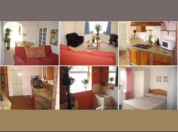 EasyRoommate UK - A large double en-suite loft bedroom - Swindon Town Centre, Swindon - £400 pcm