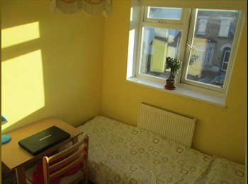 Single room available in North London - Edmonton G
