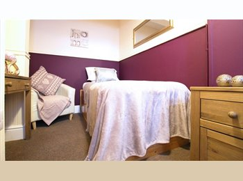 Refurbished - Close To Town Centre