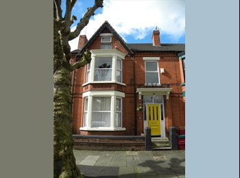 EasyRoommate UK - Very large double room in professional home share - Mossley Hill, Liverpool - £430 pcm
