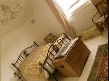 EasyRoommate UK - Beautiful Double Room in Stunning Maisonette - St. Leonards-on-Sea, Hastings - £450 pcm