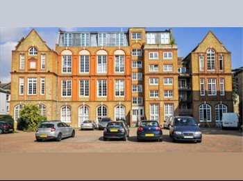 EasyRoommate UK - ROOM IN AMAZING LOFT APARTMENT IN ZONE 1 - Elephant and Castle, London - £875 pcm