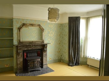 EasyRoommate UK - Large Double Room available on desirable West Hill - Hastings, Hastings - £392 pcm