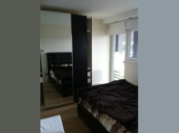 EasyRoommate UK - Luxurious Room with TV in Notting Hill - Notting Hill, London - £1,251 pcm