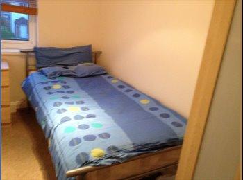 EasyRoommate UK - Clean Single Room - Littlemore, Oxford - £360 pcm
