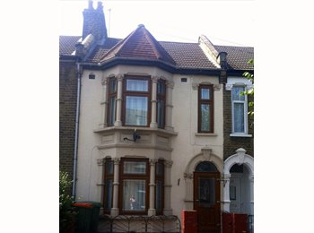 EasyRoommate UK - Double room available in Manor Park - Manor Park, London - £525 pcm