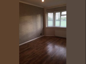 4 LOVELY DOUBLE ROOMS AVAILABLE NOW! - NO DEPOSIT