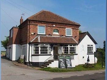 EasyRoommate UK - Quiet country pub accomodation - Kneesall, Newark - £325 pcm