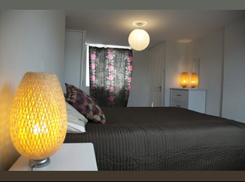 Double Bedroom - Lovely loft with en suite