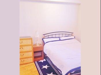 EasyRoommate UK - Tidy female flatmate wanted - Near City Centre - Bridgeton, Glasgow - £325 pcm