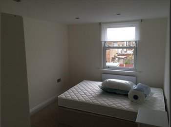 1 double bedroom available in a beautiful house!