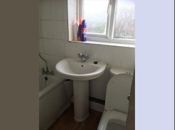 EasyRoommate UK - Lovely Single Room in quite Location - Boughton, Northampton - £280 pcm