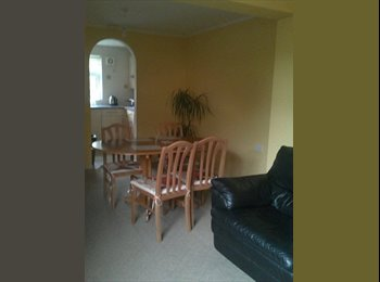 EasyRoommate UK - Actually large 5 x 3.5 double room, medium, single - Pingreen, Stevenage - £550 pcm