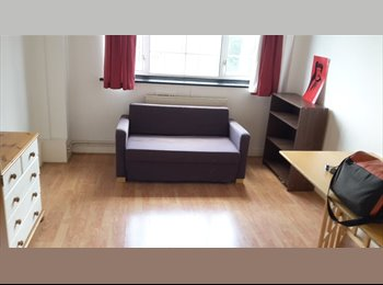2 Double rooms available in Kilburn at 170PW