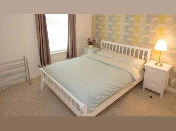 EasyRoommate UK - Ensuite Double Bedroom to rent in City Centre Flat - Aberdeen City, Aberdeen - £600 pcm