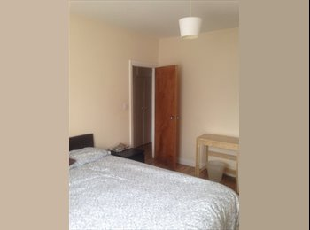EasyRoommate UK - Bright double room in family home  - Harrow, London - £450 pcm