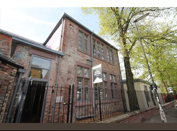 ONE BED APT TO LET LANDCROSS HOUSE FALLOWFIELD