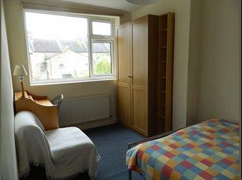 EasyRoommate UK - DOUBLE ROOM TO LET - East Ham, London - £400 pcm