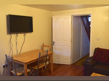 3 ROOMS AVAILABLE, FALLOWFIELD OUTSKIRTS, 67PPPW