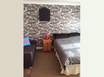 EasyRoommate UK - Excellent double room with free view tv & wifi - Yate, Bristol - £320 pcm