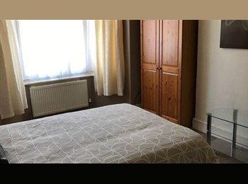 Smart Double Room To Let - £75 Per Week