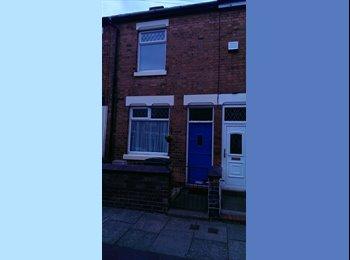 EasyRoommate UK - 2 BEDROOM TERRACED HOUSE, IDEAL FOR STUDENTS - Stoke-on-Trent, Stoke-on-Trent - £445 pcm