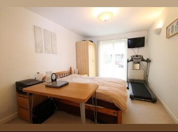 EasyRoommate UK - John Smeaton Court offers room to let - Manchester City Centre, Manchester - £1,000 pcm