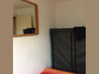 single room to rent in a nice part of Lenton