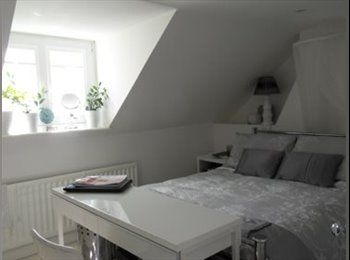 EasyRoommate UK - WANTED the perfect Tenant for a perfect Room - St. Leonards-on-Sea, Hastings - £500 pcm