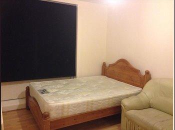 THREE / FOUR BEDROOM PROPERTY NEAR DEVONS ROAD DLR