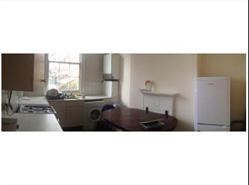 Big double room in Whitechapel, zone 2