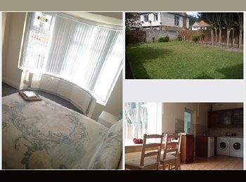 EasyRoommate UK - Out of all the houses in all the roads… - Edgbaston, Birmingham - £425 pcm
